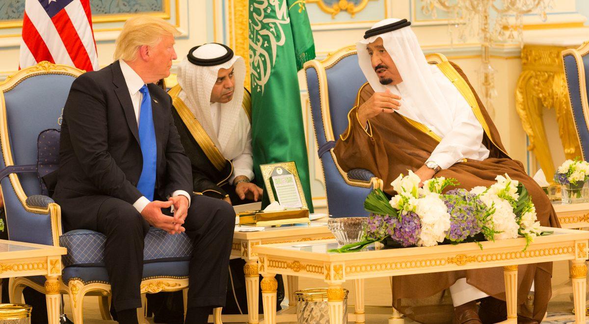 donald_trump_and_king_salman_bin_abdulaziz_al_saud_talk_together_may_2017