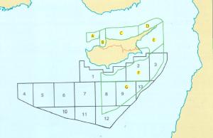 מפה 2: החפיפה בין הבלוקים המורשים של ה-KKTC לבלוקים המורשים של קפריסין. מקור:Prio Cyprus Centre (2013)