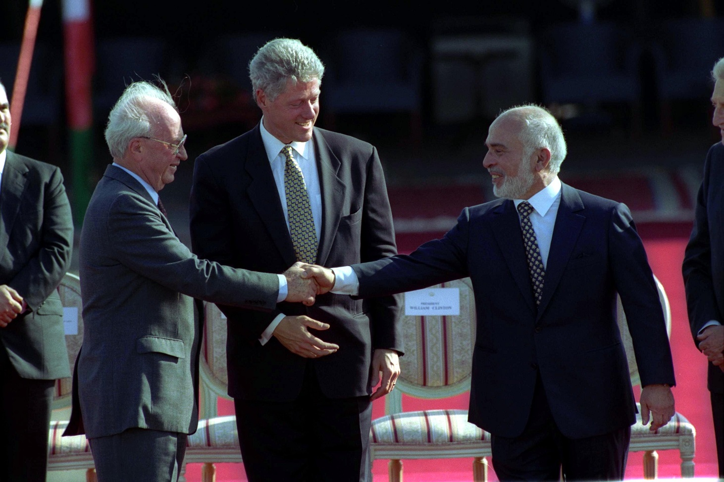 flickr_-_government_press_office_gpo_-_pm_yitzhak_rabin_and_king_hussein_shaking_hands