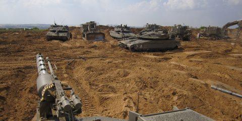 armored_corps_operate_near_the_gaza_border_14569836159