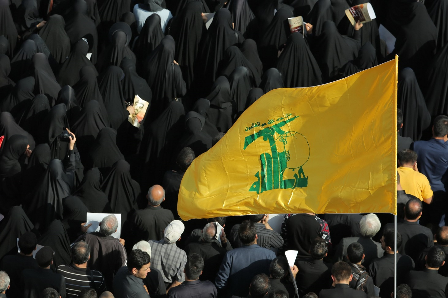 funeral_of_mohsen_hojaji_in_tehran_09