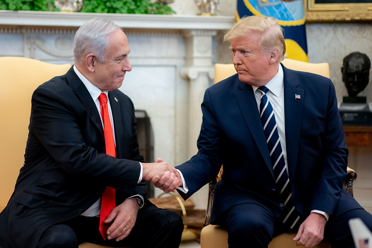 President Donald J. Trump and Vice President Mike Pence participate in an expanded bilateral meeting with Israeli Prime Minister Benjamin Netanyahu Monday, Jan. 27, 2020, in the Oval Office of the White House. (Official White House Photo by D. Myles Cullen)