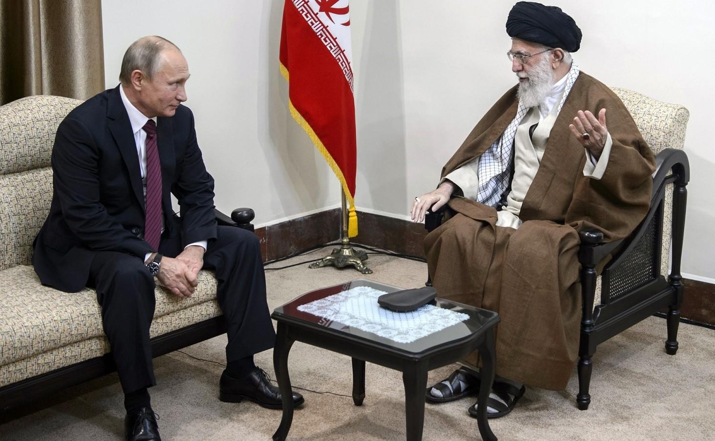 vladimir_putin_and_ali_khamenei_2017-11-01_01